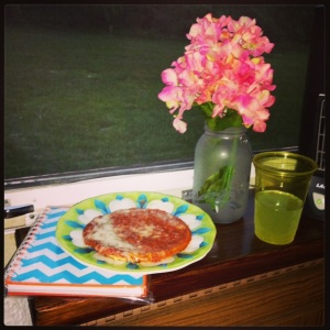 A late night snack: Pizza and Margaritas